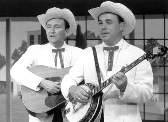 Lester Flatt y Earl Scruggs a la derecha