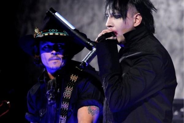 "Marilyn Manson y Johnny Depp ""You are so vain"" en el The Metal Hammer Golden Gods Awards 2012"