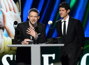 (Adam Horovitz) y Mike D (Michael Diamond), en el Rock and Roll Hall of Fame 2012