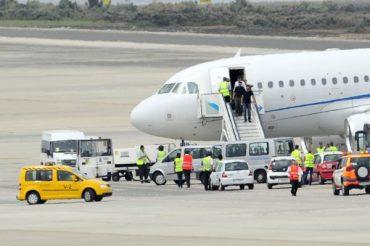 Bruce Springsteen en el Aeropuerto de Gran Canaria hoy 14 de mayo de 2012.