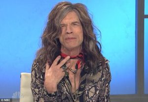 Mick Jagger parodiando a Steven Tyler (Aerosmith) en el Saturday Night Live 2012
