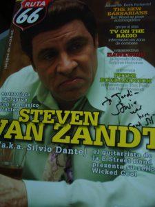 Steve Van Zandt almuerza y firma un autógrafo a nuestro amigo Jordi Güell en Barcelona el 16 de mayo de 2012 en el Hard Rock Cafe