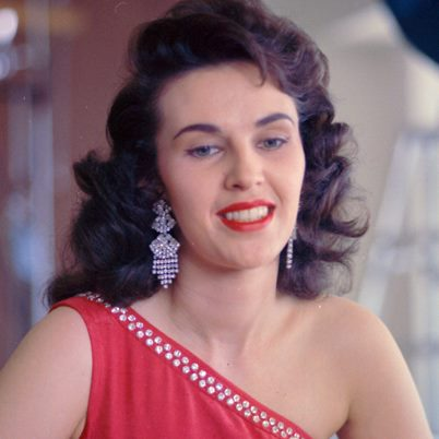 "Wanda Jackson ""Am I Even A Memory"" nuevo vídeo del Unfinished Business"