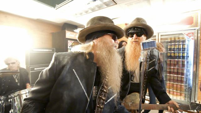 "ZZ Top y Jeremiah Weed Bourbon ""I got th get paid"" , su nuevo single"