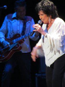 Wanda Jackson durante su concierto en Tenerife el 8 julio de 2012