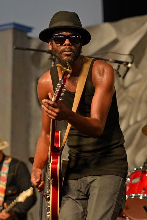 """Blak and Blue"", nuevo disco de Gary Clark Jr 2012"
