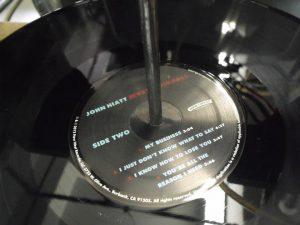 """John Hiatt """"Mystic Pinball"""" en vinilo"""