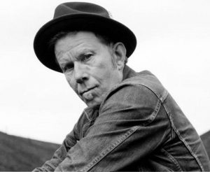 "Nuevo vídeo de Tom Waits ""Hell Broke Luce"" de su disco Bad As Me"