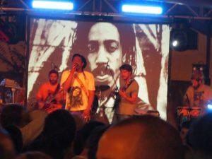 Earl 16 y Pachumba Aguere Regae 2012