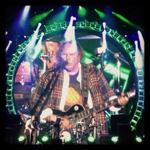 Neil Young & Crazy Horse Walked like a Giant en el Global Citizen Concert en Nueva York 2012