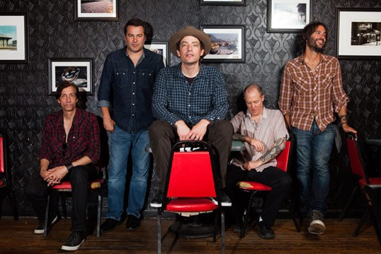 "The Wallflowers publican su sexto disco ""Glad all over"""