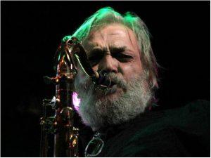 Emilio Villanueva saxofonista de Memphis la Blusera, Viejos Lobos del Blues y Sr.Masa ha fallecido