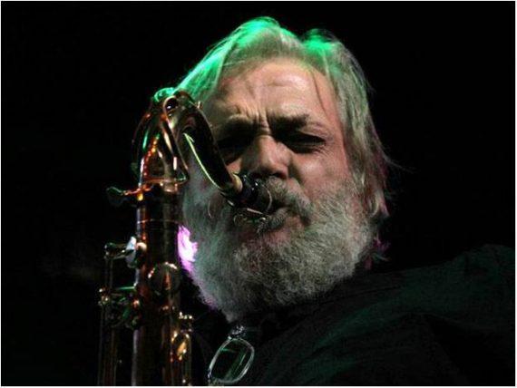 Emilio Villanueva saxofonista de Memphis la Blusera, Viejos Locos del Blues y Sr.Masa ha fallecido