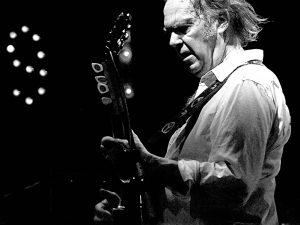 """Neil Young todos los videos de """"Psychedelic Pill"""" nuevo disco en directo Alchemy"""