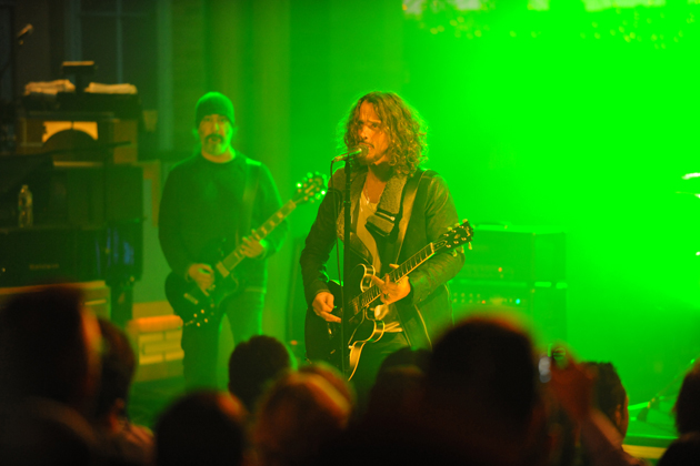 "Soundgarden en el Late Night Show de Letterman la misma noche interpretando ""Been Away Too Long"""