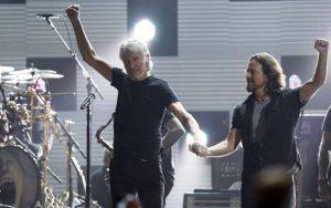 12.12.12 conocido como The Concert for Sandy Relief, Roger Waters y Eddie Vedder
