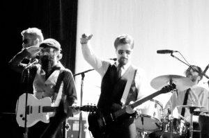 Eels Wonderful Glorious 2013 nuevo disco y gira mundial 2013