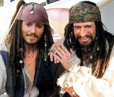 Keith Richards, Tom Waits, Dr. John, Iggy Pop, Patti Smith o Nick Cave cantan a los piratas Son of Rogues Gallery Pirate Ballads, Sea Songs and Chanteys Johhny Depp 2013