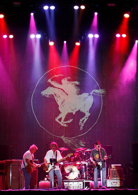 Neil Young & Crazy Horse, gira europea y australiana 2013 España Spain gira española