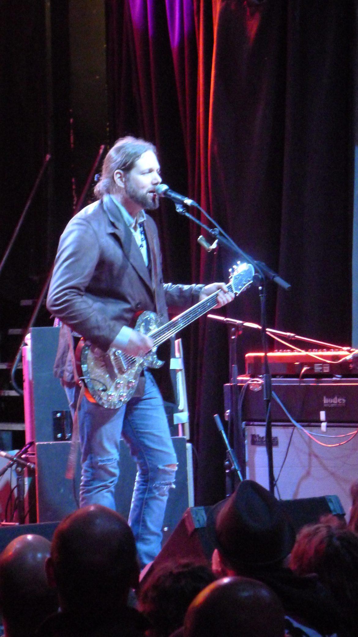 Rich Robinson en concierto, Madrid presentando Through A Crooked Sun 2012 European Tour