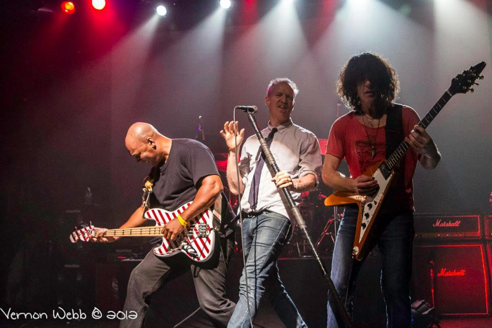 "Spin Doctors gira europea y española 2013 ""Pocket Full Of Kryptonite"" y nuevo disco ""If The River Was Whiskey"""