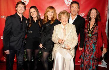 Bruce Springsteen con toda su familia en el MusiCares