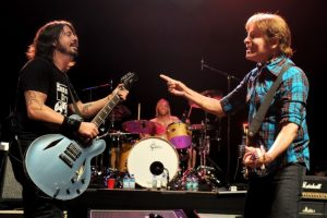 John Fogerty Wrote a Song for Everyone 2013 con Foo Fighters
