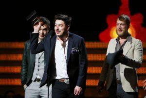 Mumford & Sons en los premios Grammy 2013
