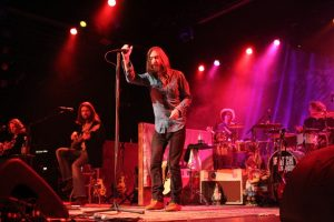 The Black Crowes, publican Wiser For The Time foto de uno de los conciertos en el Best Buy Theatre de Nueva York 2010