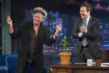 Keith Richards con Jimmy Fallon y Bill Wyman rechaza ir de gira con The Rolling Stones