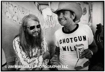 Leon Russell cumple 71 años con Willie Nelson
