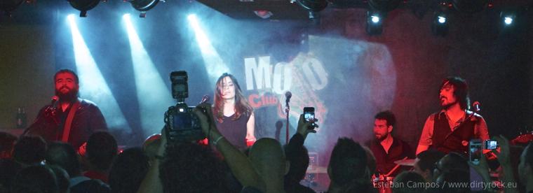 Maika Makovski en concierto en el Mojo Club