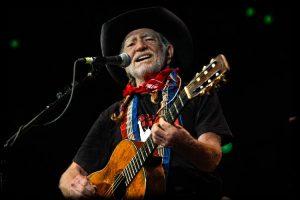 Willie Nelson cumple 80 años