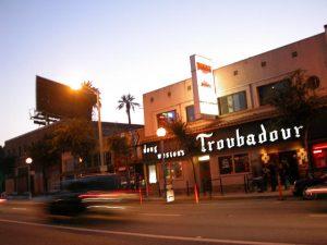 Rod Stewart en el Troubadour de los Angeles presentando Time