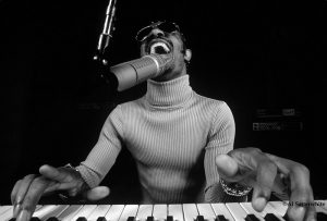 Stevie Wonder, 63 años de Superstition