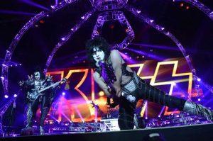 Kiss y su escenario araña en Estocolmo EuroTour 2013
