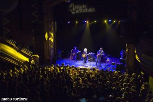 Lucinda Williams en Bilbao con Doug Pettibone
