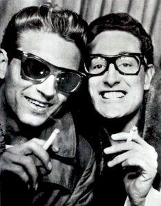 Waylon Jennings 76 años del Ramblin' Man del Country en la foto con Buddy Holly