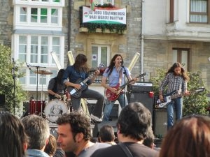 '77 en la plaza de la Virgen Blanca, Azkena Rock 2013