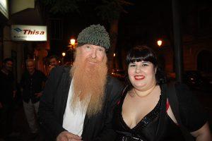 Billy Gibbons en Valencia con  Lorena Mora