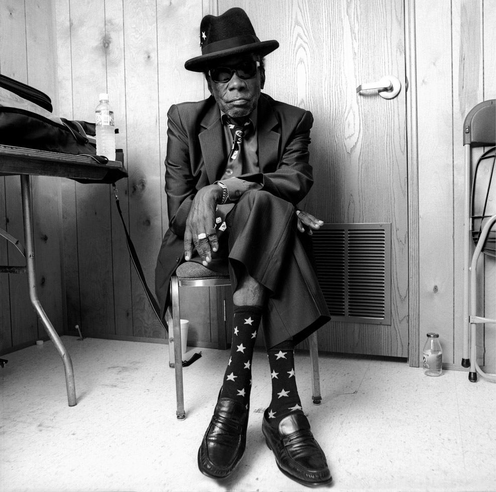 "John Lee Hooker 96 años de ""Boom Boom y de ""One Bourbon, One Scotch, One Beer"""