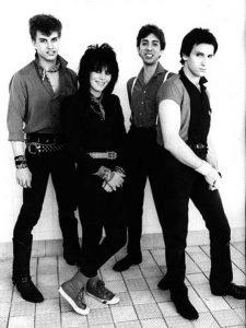 """Unvarnished"" lo nuevo de Joan Jett and Blackhearts"