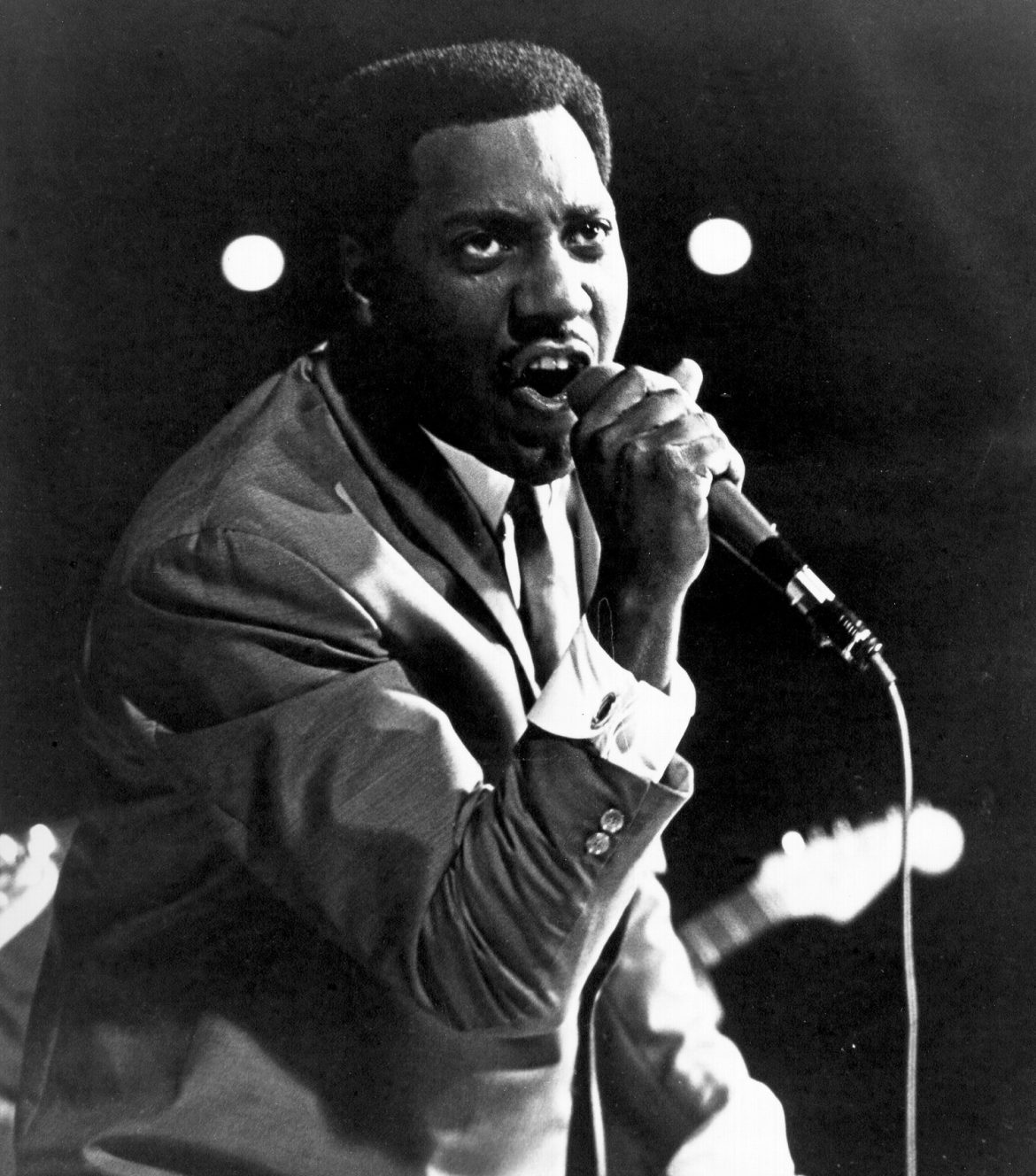 Otis Redding 72 años de Mr. Pitiful sentado al borde de la bahía