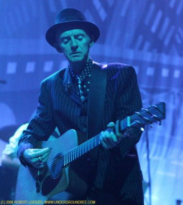 Philip Chevron guitarrista de The Pogues ha muerto