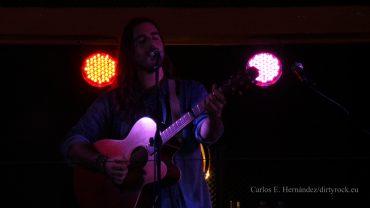 Andrés Suárez presentando Moraima en Tenerife