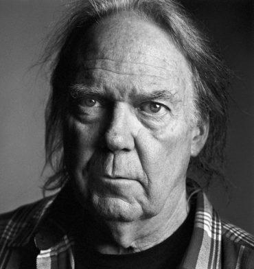 Neil Young celebra hoy su 68 cumpleaños