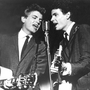 Phil Everly de The Everly Brothers ha muerto. (a la izquierda)