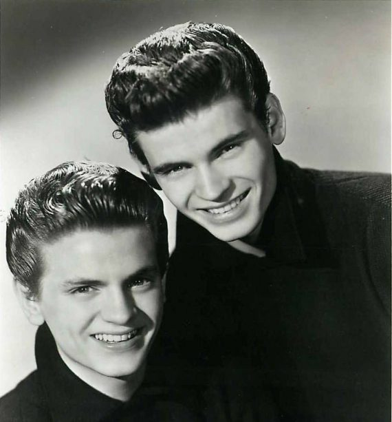 Phil Everly de The Everly Brothers ha muerto. (Phil a la izquierda)