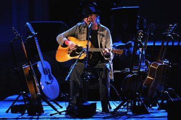 """Neil Young y su vídeo """"Mother Earth"""" para el documental ecologista """"Petropolis"""""""