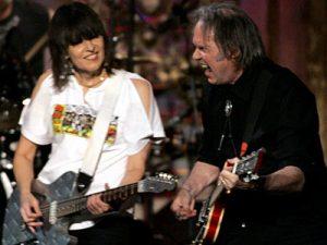 "Chrissie Hynde y Neil Young juntos en ""Stockholm"""